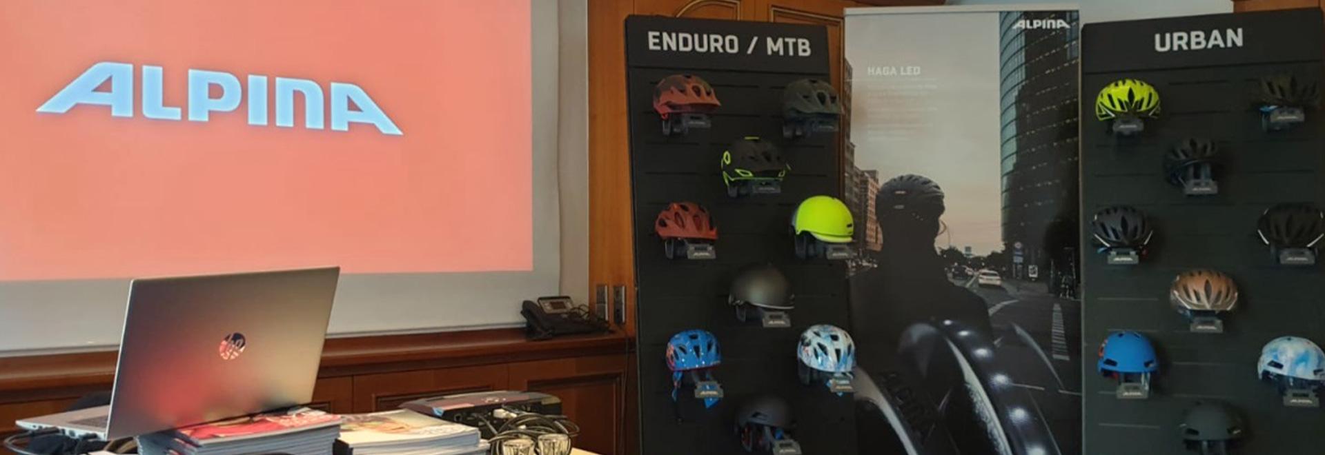 Zu Besuch bei Alpina - Einblicke in die Helmproduktion
